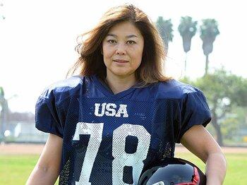 女子アメフトで米国代表に。鈴木弘子が歩む激動の人生。~今年で49歳、自然体のアネゴ肌~<Number Web> photograph by Tsutomu Kishimoto