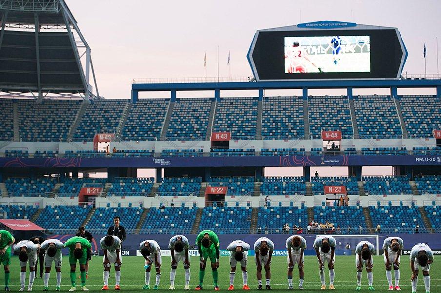 U-20ベネズエラの恐るべき目つき。日本サッカーは「まだまだ甘い」。<Number Web> photograph by 7044/AFLO