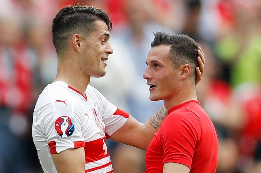 """EUROで史上初めて実現した兄弟対決。アルバニアとスイスに別れた""""運命""""。<Number Web> photograph by AFLO"""
