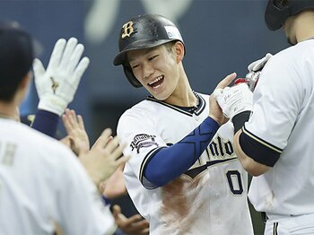 オリックスの新切り込み隊長!走攻守3拍子そろう西浦颯大の熱さ。<Number Web> photograph by Kyodo News