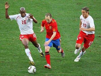 ロースコアと堅守速攻。~南アW杯で得点が少ない理由~<Number Web> photograph by Getty Images