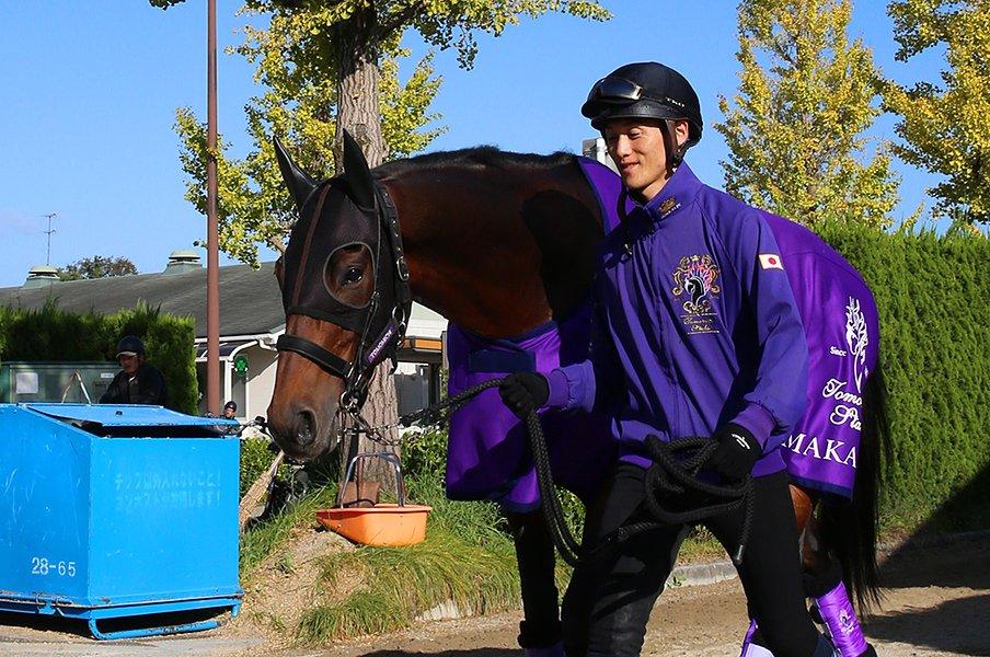 メンバーが強すぎて少頭数の天皇賞。武豊の2年越しの逆襲は成功するか。<Number Web> photograph by Yuji Takahashi