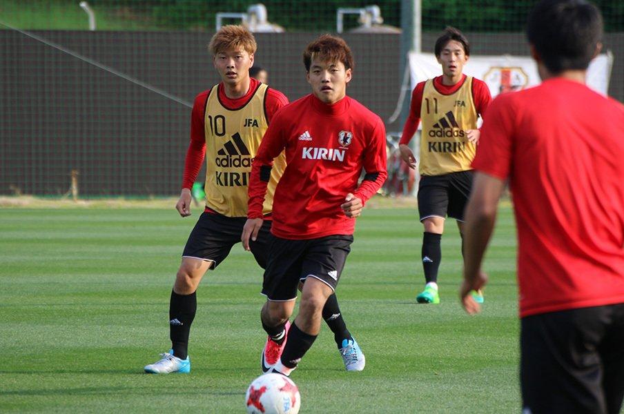 洗練されたサッカー小僧・堂安律。U-20W杯、ドリブルよりシンプルに。<Number Web> photograph by Takahito Ando