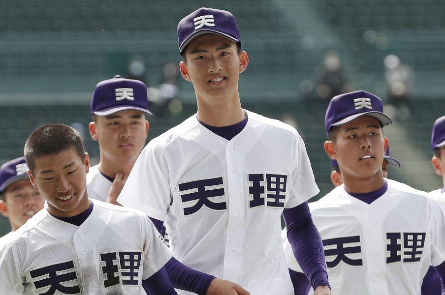 センバツ】なぜ令和の高校球児は「球速にこだわらない」? 193cm天理・達孝太の理想は「回転数がいい」シャーザー - 高校野球 - Number  Web - ナンバー