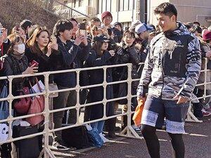 日本ハムが悩むファンサービスの形。選手も感情を持つ1人の人間である。