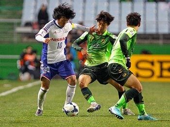 初のACL、久々の国際試合、完敗。中村俊輔はなぜ楽しそうだったのか。<Number Web> photograph by Getty Images