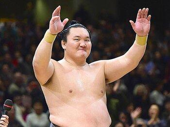 大鵬は早熟、千代の富士は晩成……。「優勝パターン」で白鵬の今後を予想。<Number Web> photograph by Kyodo News