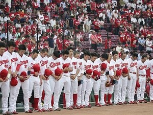 16日ぶりにプロ野球が帰ってきた。カープは広島の希望になるべく戦う。