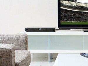 """リビングの占有権争いに終止符を! 録画番組が家中で観られるTV機能。~""""お部屋ジャンプリンク""""でサッカー観戦~"""