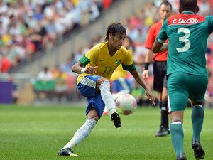 【コンフェデ2013 出場国解説】ブラジルは苦境から抜け出せるのか!?若きエース、ネイマールにかかる期待。