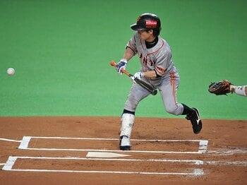 絶対に失敗しない男・松本哲也。日本シリーズで見せた小兵の意地。<Number Web> photograph by Hideki Sugiyama