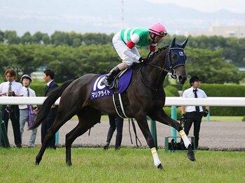 エリ女は「格上が絶好調なら鉄板」。連覇が多いのも、マリアライトに風。<Number Web> photograph by Yuji Takahashi