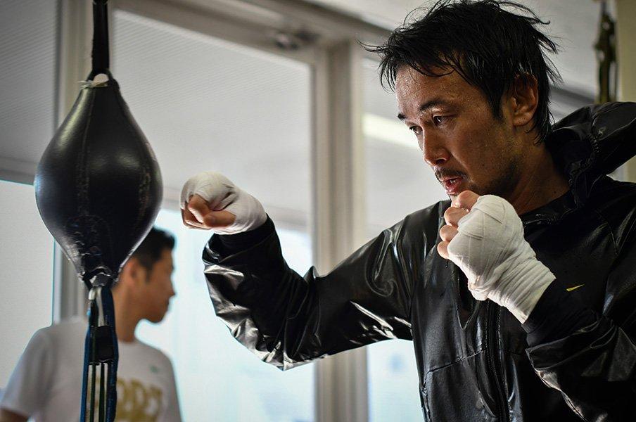 山中慎介の見たことがない練習風景。「あの負け方ではやめられない」<Number Web> photograph by Hiroaki Yamaguchi