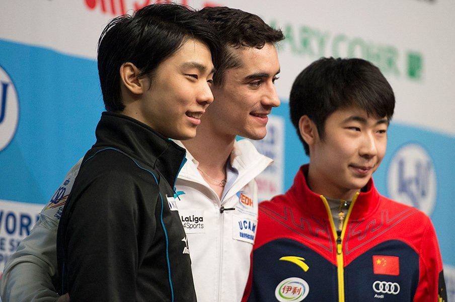 羽生結弦にとっては悔しい銀メダル。フェルナンデス連覇とボーヤンの躍進。<Number Web> photograph by Asami Enomoto