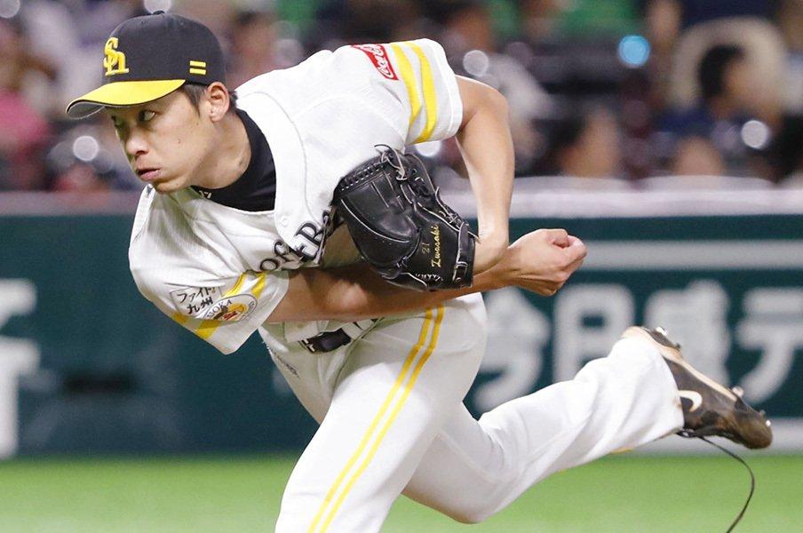 先発の未練を捨てセットアッパーに。岩嵜翔が10年目で得た「ベスト」。<Number Web> photograph by Kyodo News