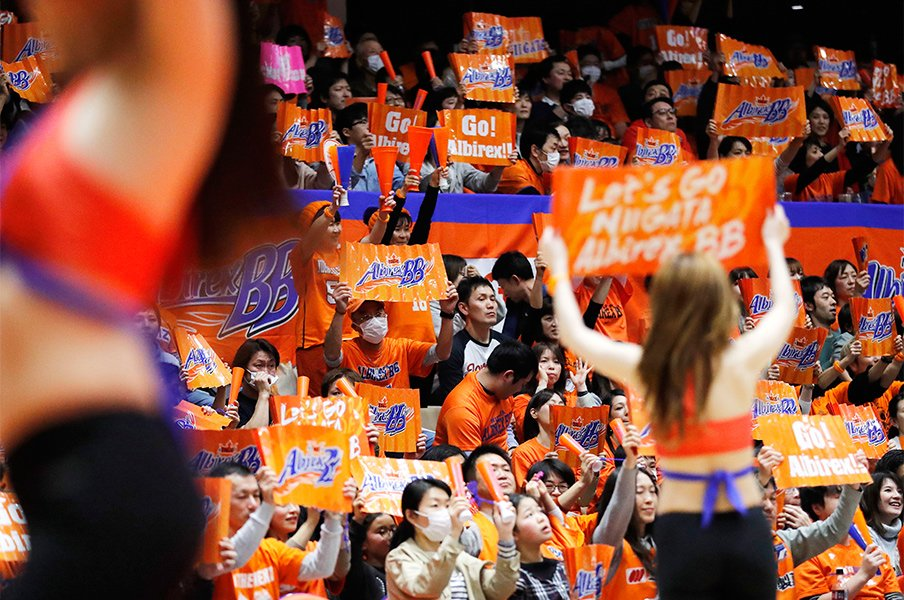 Bリーグと人件費。~優勝争いには約3億円が必要~<Number Web> photograph by AFLO