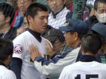 済美・安楽の熱投が問いかけたもの。高校野球における「勝利」と「将来」。<Number Web> photograph by Kyodo News