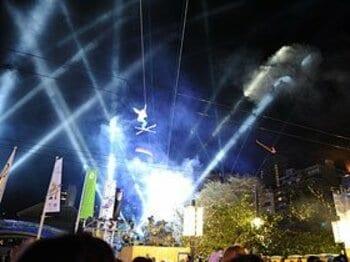 歓喜で爆発するバンクーバーの街! 五輪開幕日、それぞれの想い。<Number Web> photograph by Naoya Sanuki