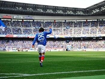 中村俊輔のJリーグ復帰戦となった第2節の湘南ベルマーレ戦。3万2228人もの観客が日産スタジアムに詰め掛けた