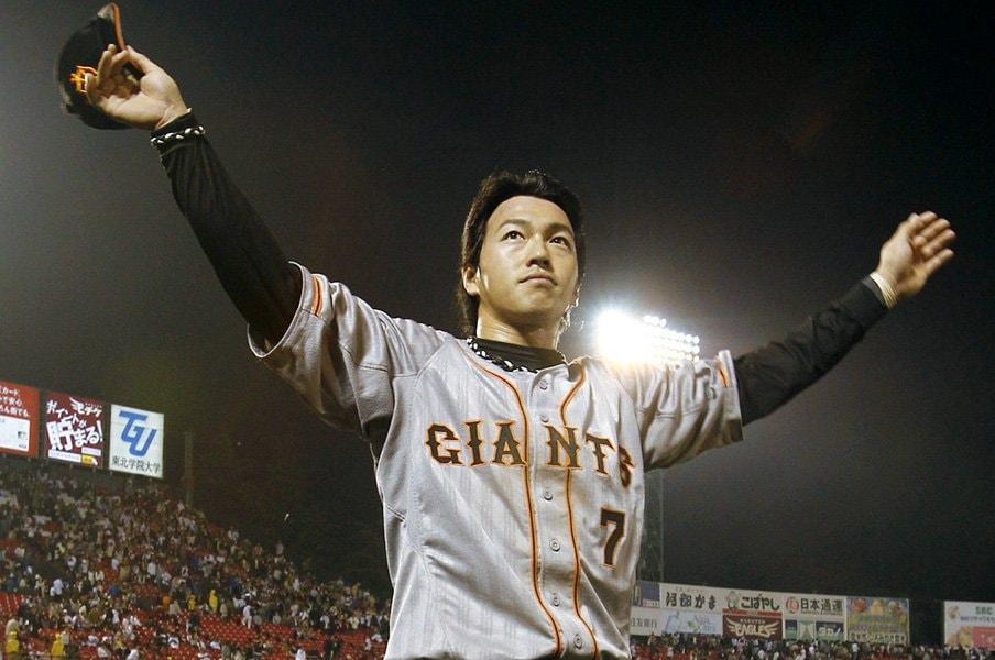 """""""底知れぬ男""""長野久義へ――。ある巨人ファンからの惜別コラム。<Number Web> photograph by Kyodo News"""