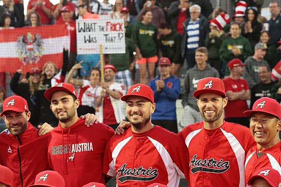 欧州の、こんなところに野球人が!オーストリア代表監督・坂梨広幸。<Number Web> photograph by Hiroyuki Sakanashi