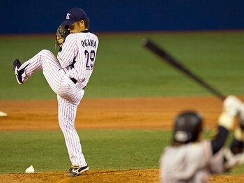 """いま最も勝てる投手が重用する、現代に甦った""""古い""""球種カーブ。<Number Web> photograph by Nanae Suzuki"""