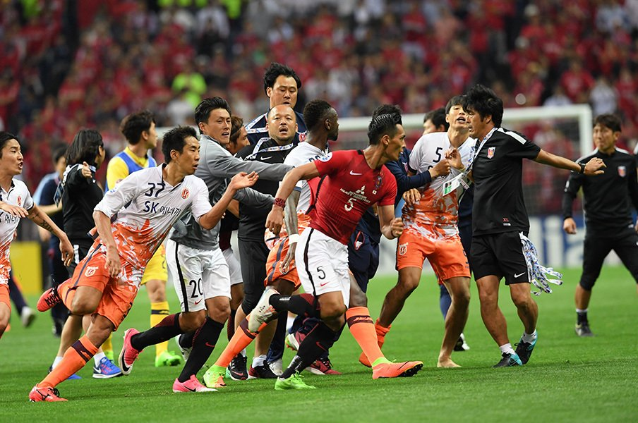 AFCが済州に下した処分を検証する。日韓サッカー騒動史に新たな視点を。<Number Web> photograph by J.LEAGUE PHOTOS