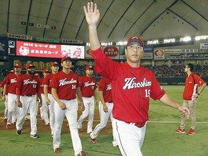 カープ3連覇は黒田博樹の帰還から。緊張感を与えてくれる、最高の見本。