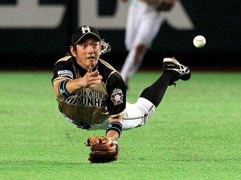 チームの危機をチャンスに変える男、今浪隆博。~田中賢介に代わる選手になるか?~<Number Web> photograph by NIKKAN SPORTS