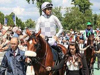 武豊とルメールがフランスで挑んだ、凱旋門賞より人気の3歳牝馬GIとは。<Number Web> photograph by Satoshi Hiramatsu