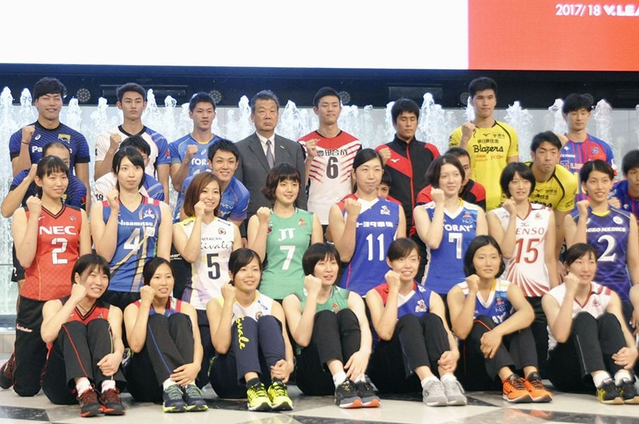 Vリーグは「ビジネス化」できるか。動き出した観客・広告の二本柱。<Number Web> photograph by Kyodo News