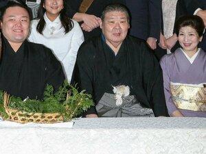 """大関貴景勝が""""親方""""の娘と婚約 相撲部屋のおかみさんとは?"""