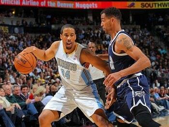 """ナゲッツ躍進を陰で支える、""""いぶし銀""""ミラーの存在感。~14年間NBAでプレーした秘訣~<Number Web> photograph by Getty Images"""