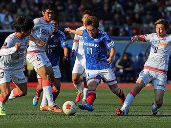 怪我と移籍、2つの悩みを越えて。齋藤学、W杯シーズンへ横浜で始動。<Number Web> photograph by AFLO