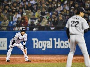 史上初2年連続トリプルスリーに光を。山田哲人、成功率9割超の積極盗塁。