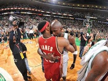 レブロンもコービーもTV局が操る!?NBAプレーオフに見る米国スポビズ界。<Number Web> photograph by NBAE/Getty Images