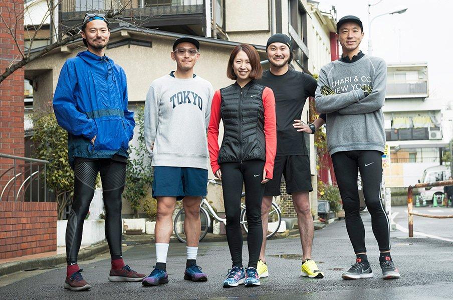 やっぱり走っている人はカッコいい!街で、公園で、皇居で。お洒落ランナーをスナップ!~あえてのスウェット編~<Number Web> photograph by Wataru Sato