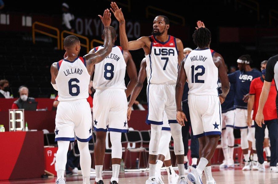 """《五輪バスケ》まさかの黒星スタート…""""NBAスター軍団""""アメリカ代表が誓う結束「家族と過ごす時間を犠牲にしても」"""