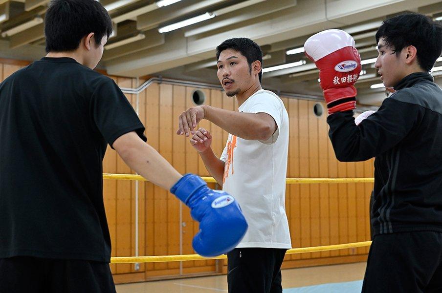 三浦隆司の人生を変えたKO負け。米年間最高試合の後に起こったこと。<Number Web> photograph by Takashi Shimizu