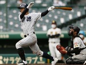 """""""戦略家""""馬淵史郎65歳の独壇場「盗塁サインを出すぞ」「マシンを""""50cm""""高くして」明徳義塾はこうして風間球打に139球投げさせた"""