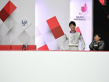 羽生結弦の五輪シーズン開幕。SPでの世界新記録と悔し涙。<Number Web> photograph by Kiyoshi Sakamoto/AFLO