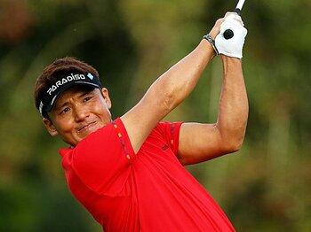奮闘が光る41歳コンビ、丸山と藤田の中年力。~ベテランゴルファーが輝く理由~<Number Web> photograph by Taku Miyamoto