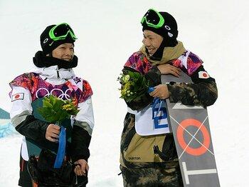 「歩夢」「卓」と呼び合う2人の神童。スノボ界初のメダルが日本を変える。<Number Web> photograph by Naoya Sanuki/JMPA