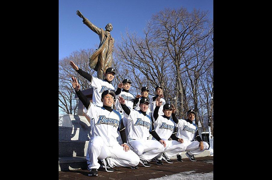 """吉田輝星と柿木蓮の""""深夜ラン""""と新星に大志を託したスタッフの思い。<Number Web> photograph by Kyodo News"""