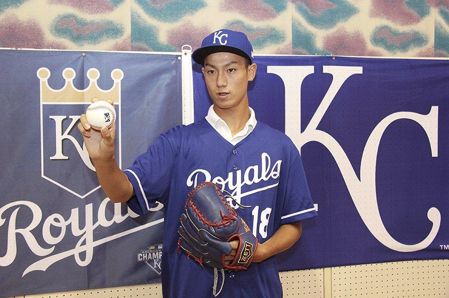 野茂や大谷が切り開いた道の先へ。16歳で渡米する結城海斗に幸あれ。<Number Web> photograph by Kyodo News