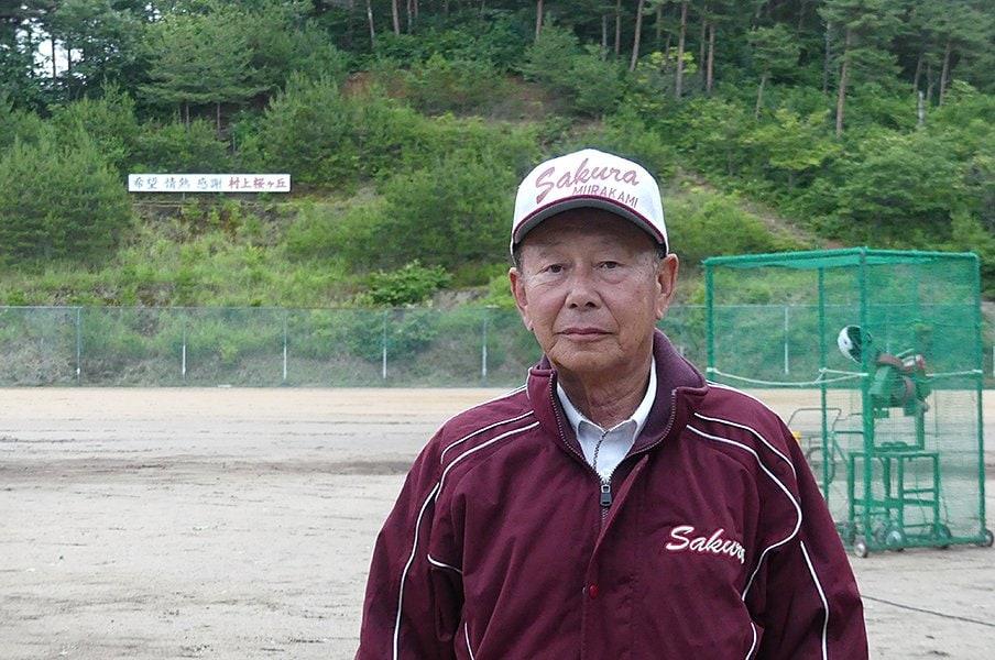 プロも育てた新潟の70歳監督の夢。「野球場をつくれば球児は来る」<Number Web> photograph by Kenichiro Tazawa