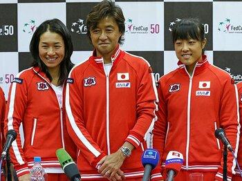 森田、伊達の「二枚看板」に明暗。女子テニスフェド杯、激闘の教訓。<Number Web> photograph by AP/AFLO