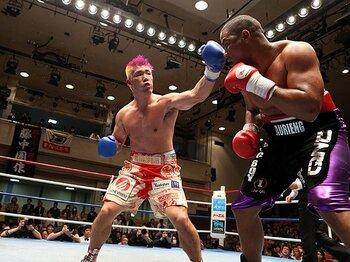 4月のウォーレン戦でTKO勝ちを収めた京太郎。打ち合いの中で3度のダウンを奪った。