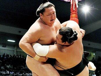 名古屋場所に進退を掛けた旭天鵬と若の里の絆とは。~対戦を夢見た「最後の同期生」~<Number Web> photograph by KYODO