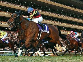 ジェンティルJC勝利も、物寂しく――。凱旋門が遠ざかる、日本競馬の現状。<Number Web> photograph by KYODO